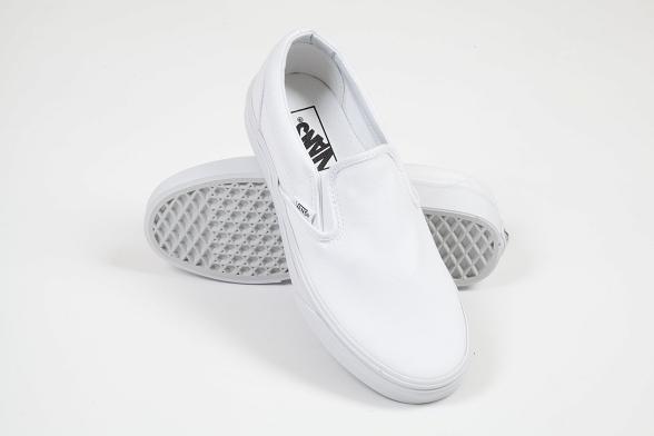 U Buty VANS CLASSIC SLIP ON true white #36